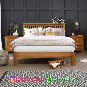 Tempat Tidur Kayu Sederhana Gaya Minimalis